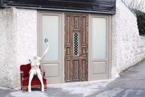 Puerta restaurada por Bafi ebanistería